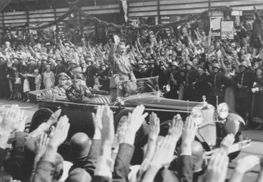Resultado de imagem para Hitler - Uma carreira