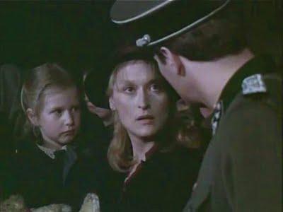 Resultado de imagem para cena do filme a escolha de sofia