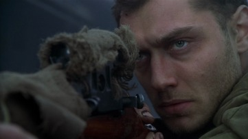 Jude Law como Vassili Zaitsev.