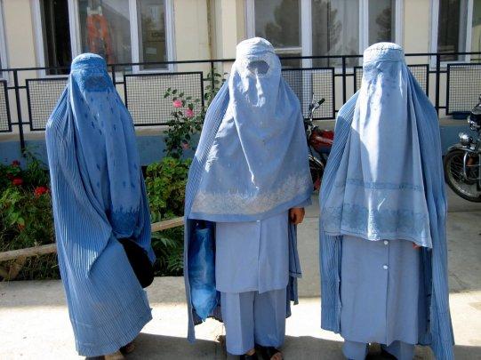 Resultado de imagem para afegãs com burca