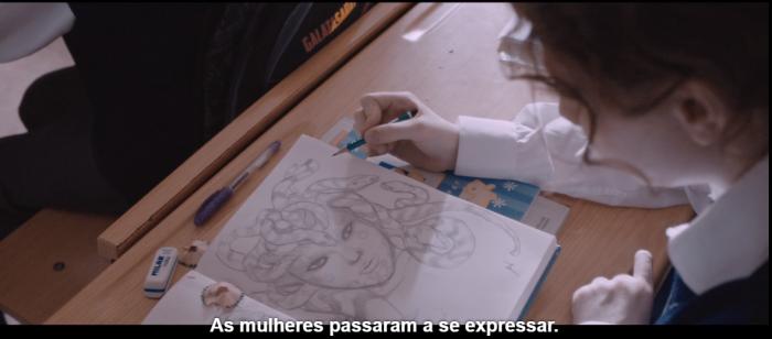 Deniz desenhando a Medusa