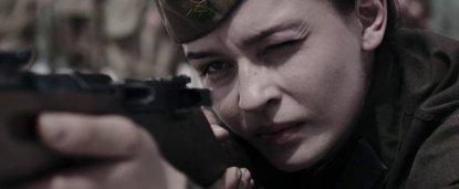Yulia Peresild como Lyudmila Pavlichenko.