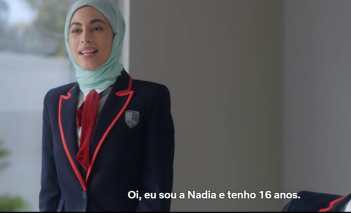 Mina El Hammani como Nádia.