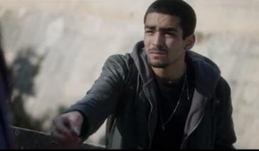 Omar Ayuso como Omar.