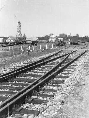 rails leading into sobibor