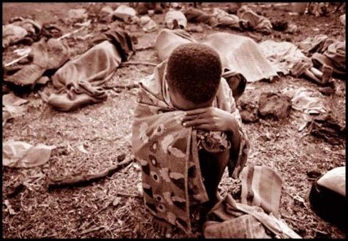 Criança chorando em Ruanda