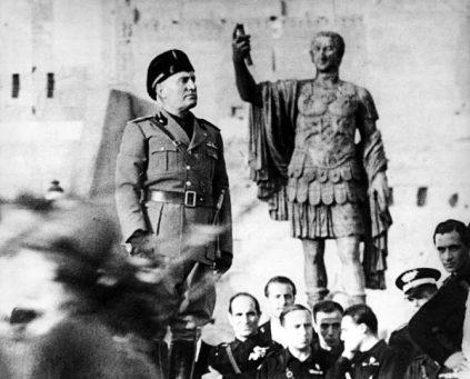 Mussolini tentou resgatar a glória do império romano